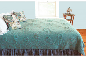"""Trapunto"" in Celadon-Dark Teal Reversible Queen Quilt 85"" x 95"""
