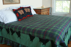 """Canyon Plaid Horse Blanket"" in Apple-Black King Quilt 105"" x 105"""