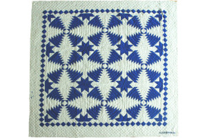 """Pineapple Log Cabin"" in Royal-White Cover-Up Quilt 54"" x 54"""