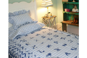 """Love and Kisses"" in Blue Twin Quilt 64"" x 85"""