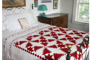 """Pineapple Log Cabin"" in Red-White"