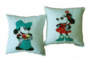 """Mickey & Minnie Mouse"" Collectible Pillows"