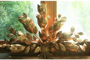 Antique French Leaves Sconse