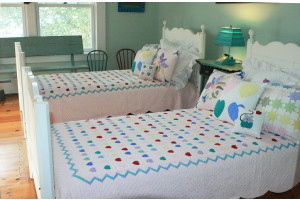 """Lollipop"" in Pink Twin Quilt 64"" x 85"""