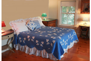 """Grape Cluster"" in Periwinkle-White King Quilt 105"" x 105"""