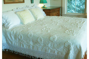 """Trapunto"" in White Reversible Queen-King Quilt 97"" x 101"""