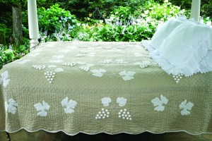 """""""Grape Cluster"""" in Champagne Queen Quilt 85"""" x 95"""""""